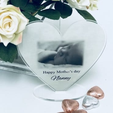 Happy Mother's Day Stand heart