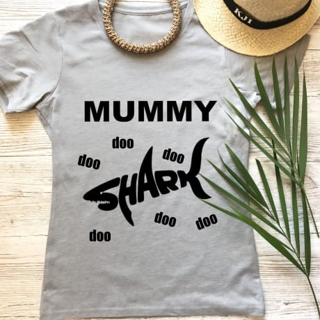 Mummy shark fun T-shirt