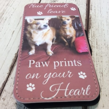 Phone case : Paw prints
